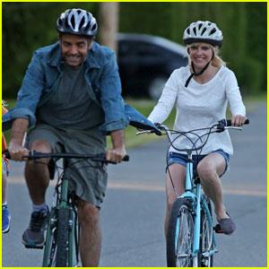 Anna Faris & Eugenio Derbez Ride Bikes For 'Overboard' Filming