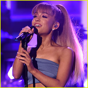 Ariana Grande Announces Benefit Concert for Manchester in a Letter to Fans
