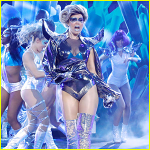 Bellamy Young Channels Lady Gaga for 'Born This Way' on 'Lip Sync Battle' - Watch Now!