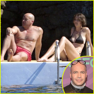 Billy Zane Shows Off His Super Fit Shirtless Body at 51!