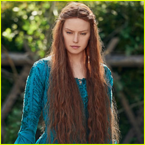 Daisy Ridley Rocks Long Hair in First Look at 'Ophelia'