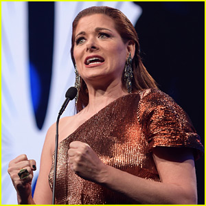 Debra Messing Calls Out Ivanka Trump During Passionate GLAAD Awards Speech (Video)