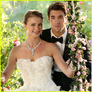 Relive Emily VanCamp & Josh Bowman's Wedding on 'Revenge'