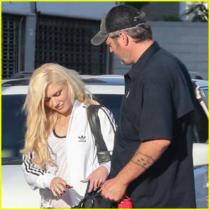 Gwen Stefani & Blake Shelton Have an Afternoon at the Skating Rink!