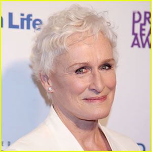 Glenn Close Stops Show to Scold Photo-Taking Audience Member