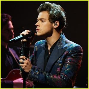 Harry Styles Breaking News, Photos, and Videos | Just Jared