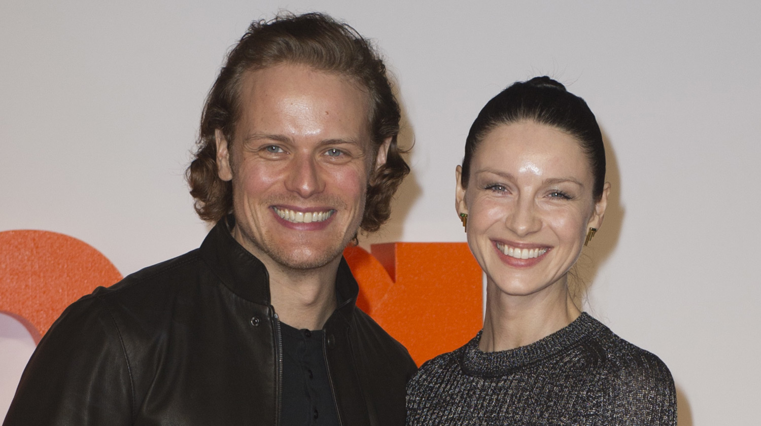 outlanders sam heughan caitriona balfe have adorable