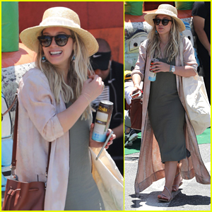 Hilary Duff Spends the Afternoon at the Farmers Market