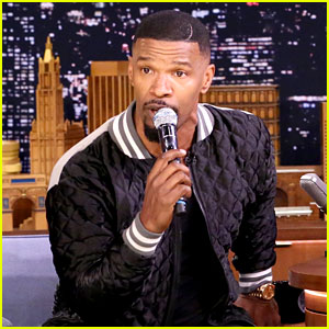 Jamie Foxx Sings 'Who Let the Dogs Out' Like a Broadway Musical on 'Fallon'