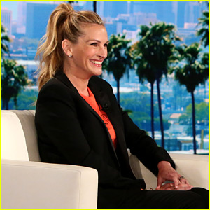Julia Roberts Says George Clooney Doesn't Need Her Advice on Raising Twins