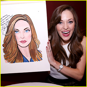 Broadway's Laura Osnes Honored with a Portrait at NY's Sardi's