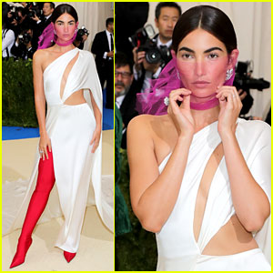 Lily Aldridge's Met Gala 2017 Look Includes Thigh High Boots!