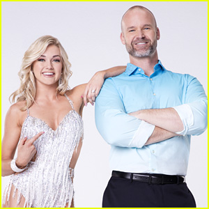David Ross & Lindsay Arnold Hit a Home Run During 'DWTS' Finale - Watch Now!