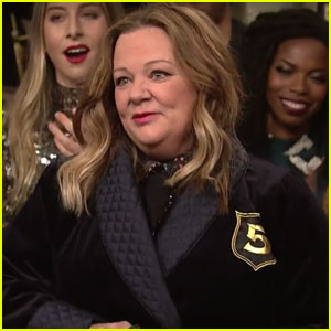 Melissa McCarthy Joins SNL's Five-Timers Club (Video)