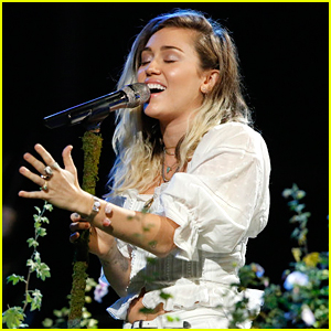 Miley Cyrus Performs 'Malibu' on 'The Voice' Finale - Watch Now!