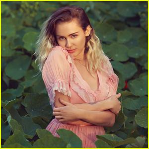 Miley Cyrus Set To Perform New Single 'Malibu' At Billboard Music Awards 2017!