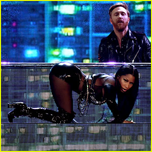 Nicki Minaj's Billboard Music Awards 2017 Opening Performance Video - Watch Now!