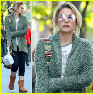 Paris Jackson Steps Out After First Movie Role News