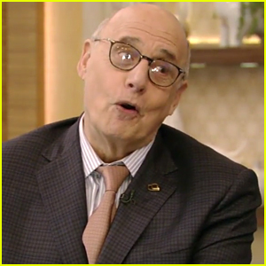 Ryan Seacrest Mistakes Jeffrey Tambor for Dead 'Ghost' Actor - Watch!