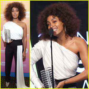 Solange Knowles Gives Five-Word Speech At 2017 Webby Awards - Watch Here!