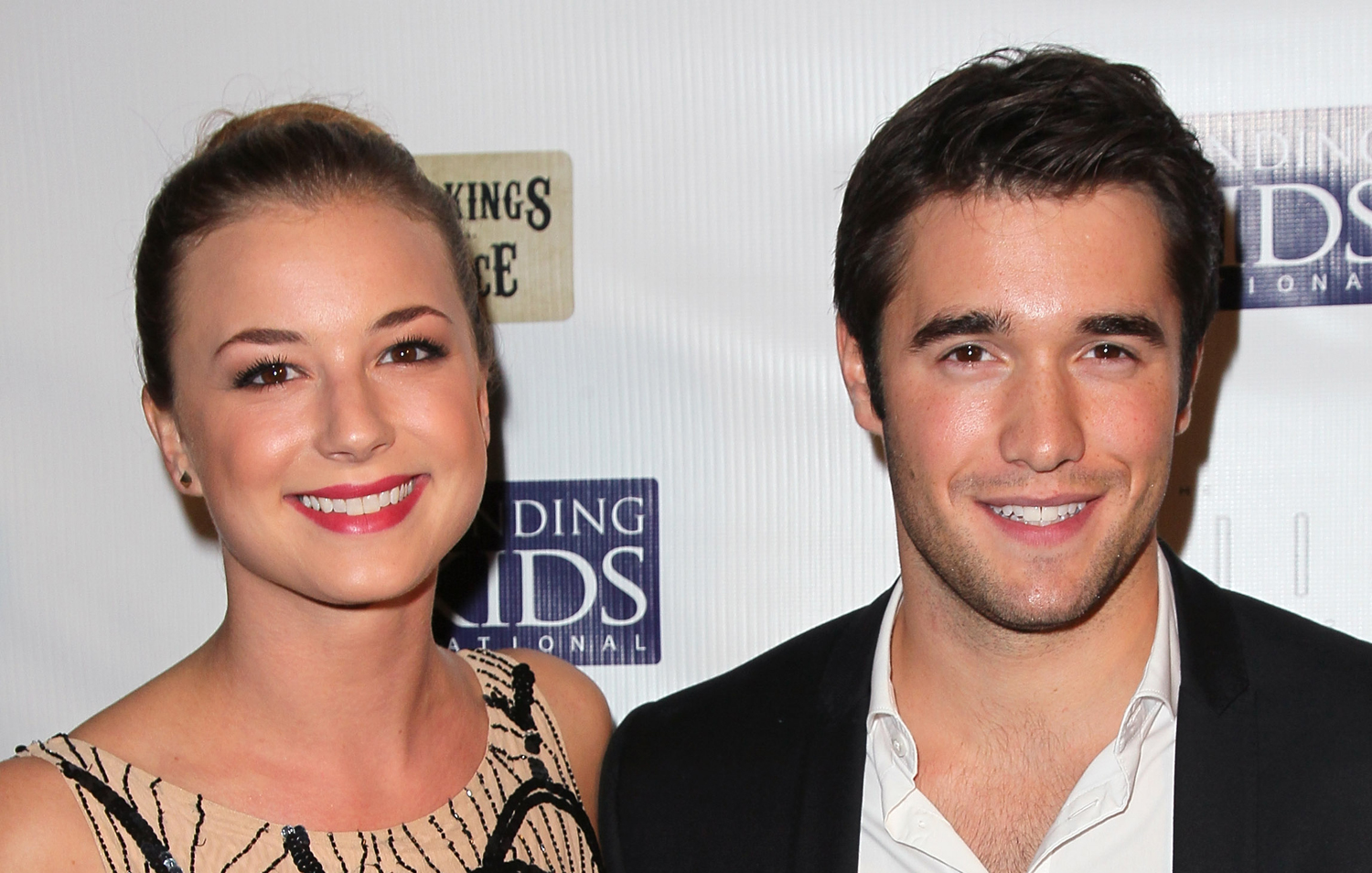 josh bowman and emily van camp dating Emily vancamp biography  her love circle from the very long time is also stable as she is mentioned having an affair with josh bowman as a boyfriend who is the co .