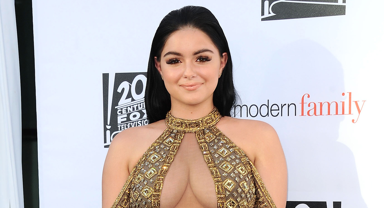 The dress ariel wore - Ariel Winter Defends Wearing Revealing Outfit At Modern Family Screening Ariel Winter Just Jared