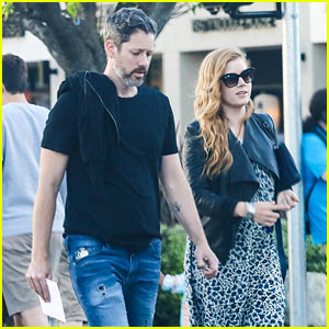 Amy Adams & Darren Le Gallo Couple Up for Dinner Date