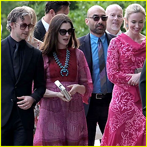 Anne Hathaway & Emily Blunt Arrive for Jessica Chastain's Italian Wedding!