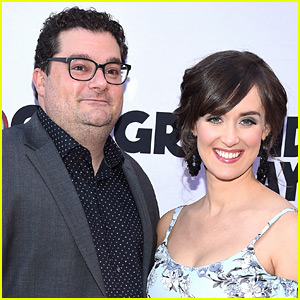 Bobby Moynihan Reveals He's Expecting Baby Girl with 'Wonder Woman' Themed Post!