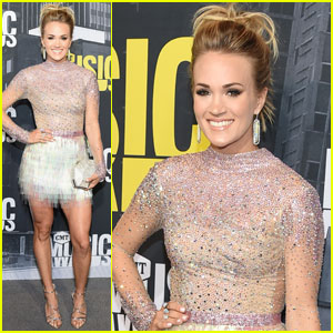 Carrie Underwood is Gorgeous in Glitter at CMT Awards 2017