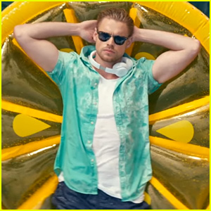 Chord Overstreet Debuts Music Video for 'Hold On (Remix)'