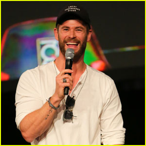 Chris Hemsworth Hits Up Supanova Comic Con in Sydney