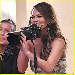 Chrissy Teigen Grabs a Camera, Joins Press Line at Tony Awards 2017!