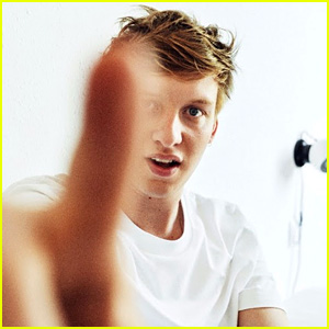 'Budapest' Singer George Ezra Returns with 'Don't Matter Now' - Watch the Video!