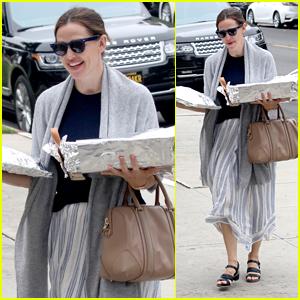 Jennifer Garner Starts Off Her Sunday at Church