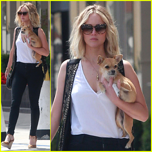 Jennifer Lawrence Brings Her Dog to Meeting in Los Angeles
