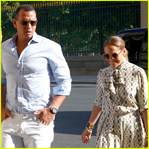 Jennifer Lopez & Alex Rodriguez Are in Love at the Louvre!
