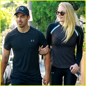 Joe Jonas & Sophie Turner Hike in Matching Workout Clothes!