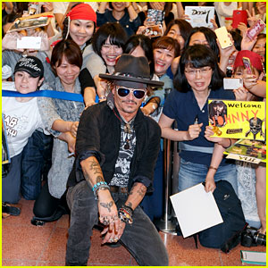 Johnny Depp Poses for Epic Photos with Fans in Japan