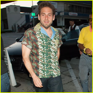 Jonah Hill Shows Off Svelte Look While Dining at Craig's