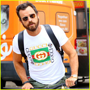 Justin Theroux Muscles Up for Big Apple Bike Ride