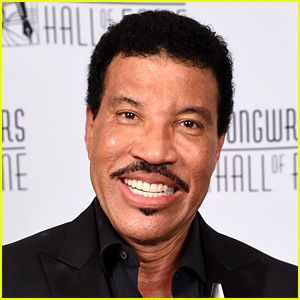 Lionel Richie Being Eyed for 'American Idol' Judge!