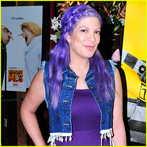 Tori Spelling Debuts Purple Hair at 'Despicable Me 3' Screening!