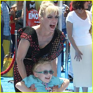 Anna Faris Brings Son Jack to 'Emoji Movie' Premiere!