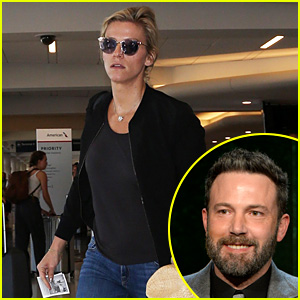 Ben Affleck's New Girlfriend Lindsay Shookus Catches Solo Flight Out of LAX
