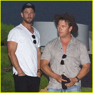 Chris Hemsworth & Brother Luke Grab Dinner Together in Malibu