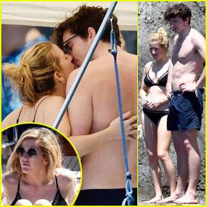 Ellie Goulding & Beau Caspar Jopling Kiss During Italy Boat Trip