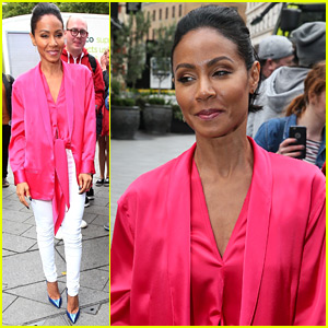 Jada Pinkett Smith Likes to Do Oil Painting in Her Spare Time!