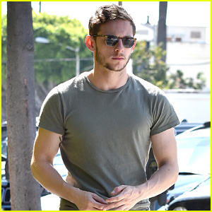 Jamie Bell Flaunts Toned Arms on His Way to Lunch