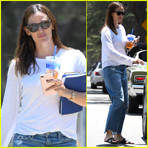 Jennifer Garner Heads to a Business Meeting in LA